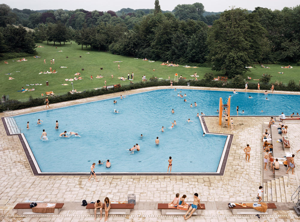 Andreas Gursky - Ratingen, Schwimmbad